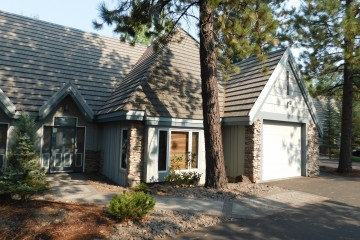 Front of home #35 at StoneRidge Townhomes in Sunriver