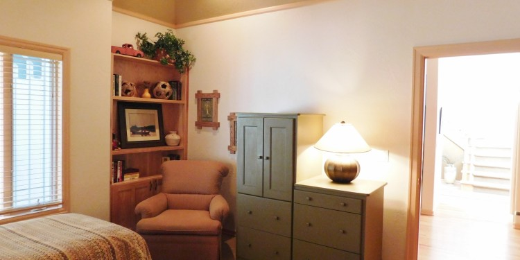 adorable dresser in twin room of StoneRidge Townhomes #9