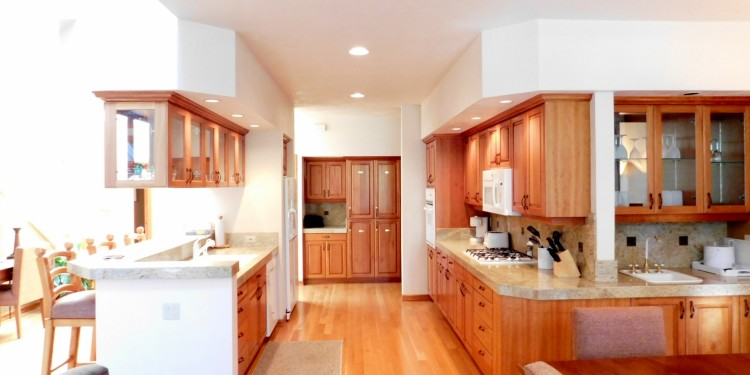 Huge gorgeous kitchen in home #11 at StoneRidge Townhomes