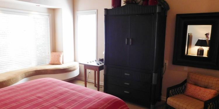 queen bedroom dresser of home #25 @ StoneRidge Townhomes