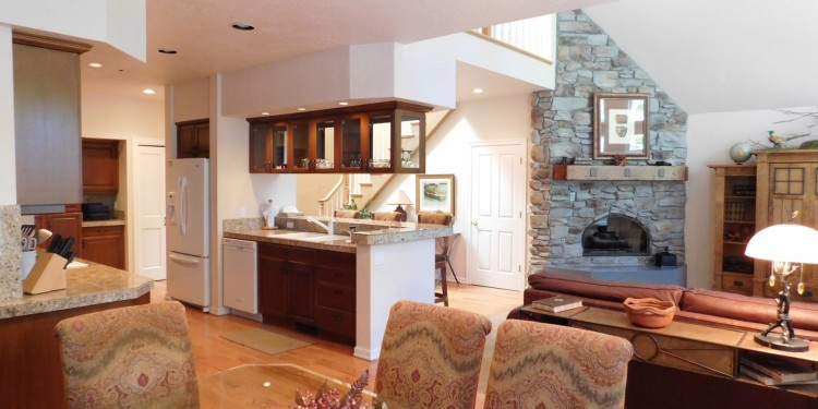 fireplace panorama of home #25 at StoneRidge Townhomes