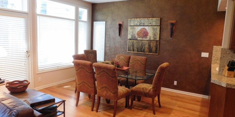 dining room table in home #25 at StoneRidge Townhomes