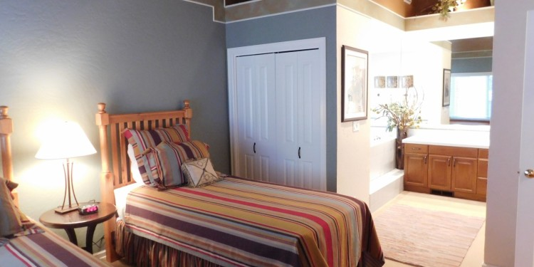 Twin bedroom of home #25 at StoneRidge Townhomes